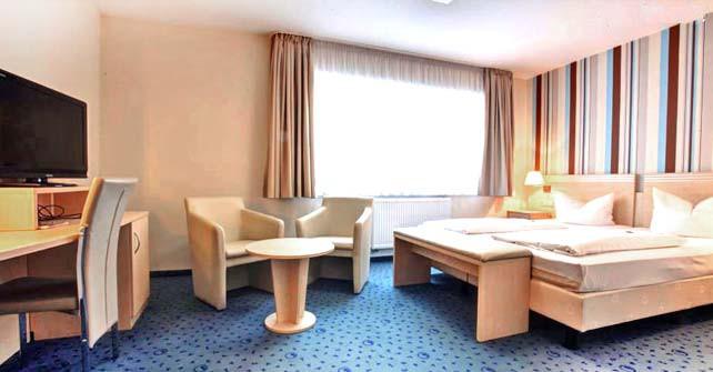 HOTEL 3-BETT-ZIMMER